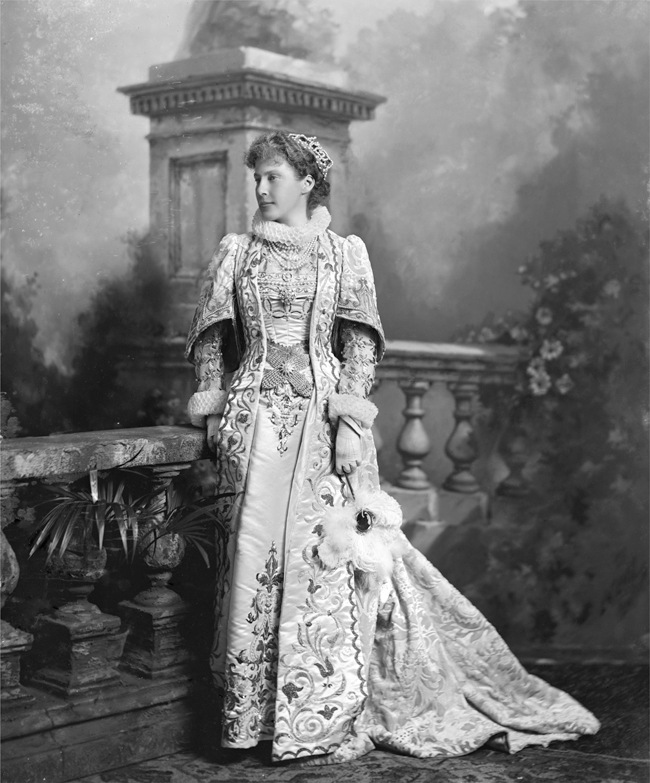 dowager queen Explore katie klemmer's board hm noor- dowager queen of jordan on pinterest | see more ideas about queen noor, royal families and royal house.