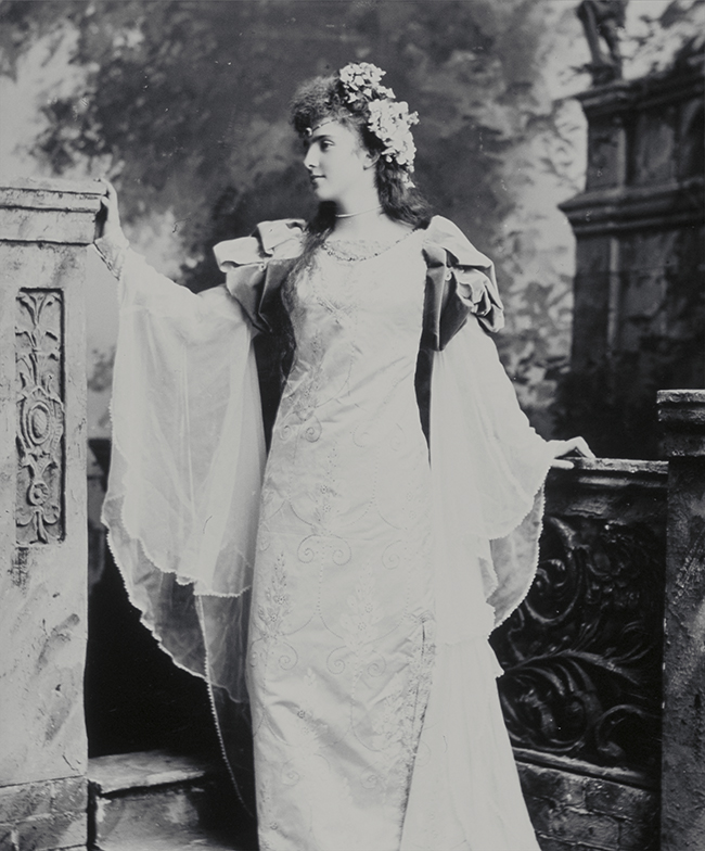 image from V&A photo CD