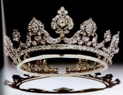 [Tiaras: A History of Splendour, Geoffrey C Munn, London, 2001, plate 193]